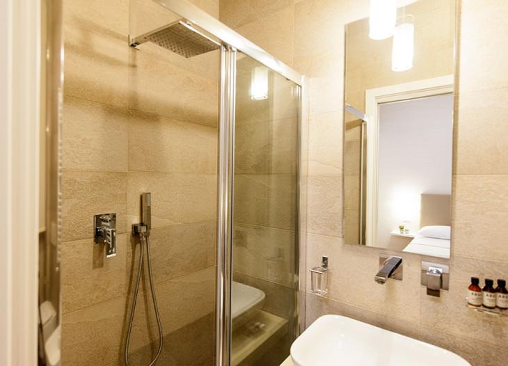 camera matrimoniale bagno
